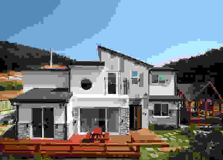 강화초지리 (Kanghwa): HOUSE & BUILDER의  주택,모던