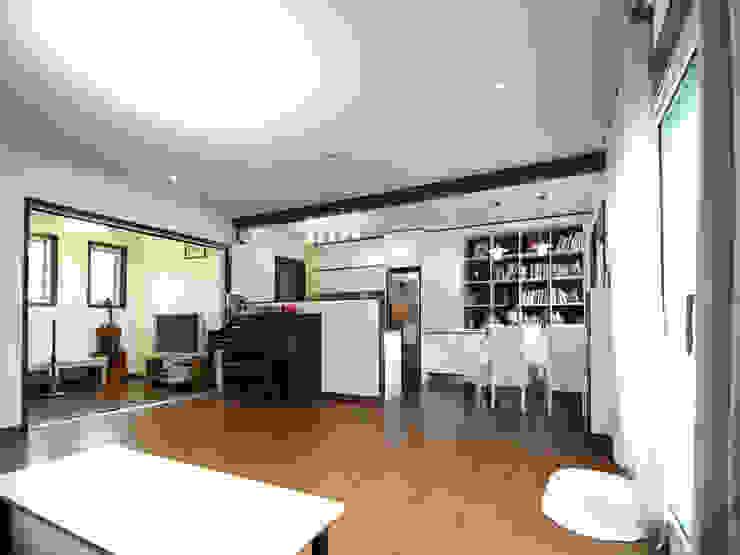 용인 흥덕지구 (Yongin) Salon moderne par HOUSE & BUILDER Moderne