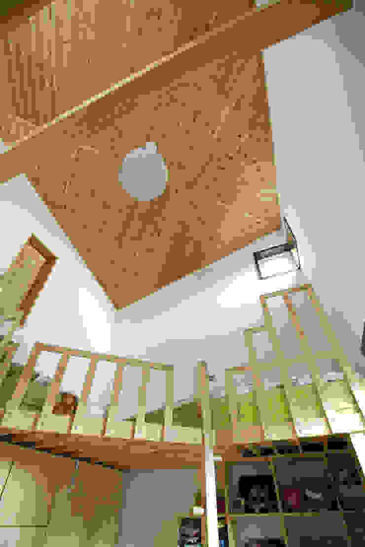 용인 흥덕지구 (Yongin) Couloir, entrée, escaliers modernes par HOUSE & BUILDER Moderne