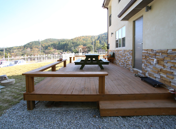 Patios & Decks by HOUSE & BUILDER, Modern