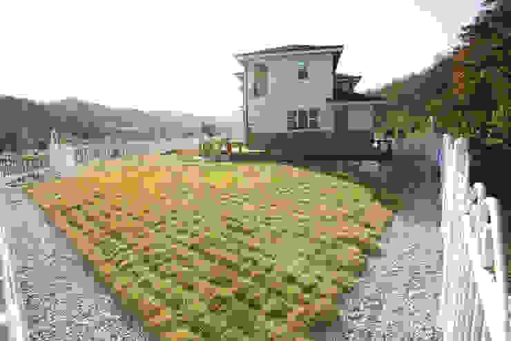 보광리 (Bokwanglee) 모던스타일 정원 by HOUSE & BUILDER 모던