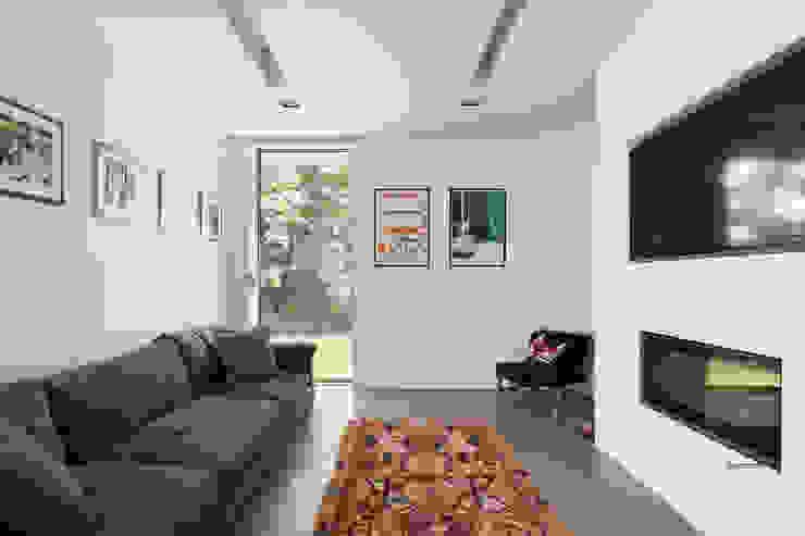 Living room Modern living room by 1st Option Representation Modern