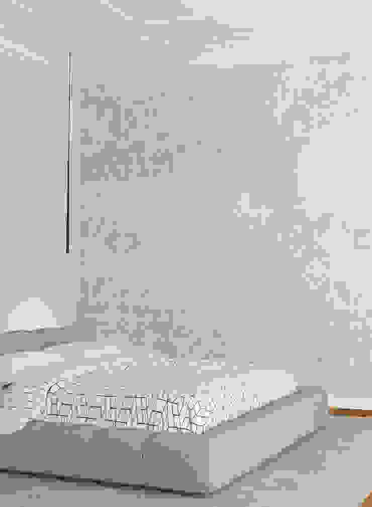 HF087-Flourish por House Frame Wallpaper & Fabrics Moderno
