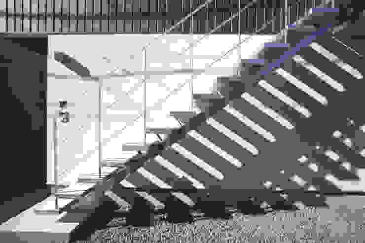 外階段 設計事務所アーキプレイス 北欧風 家 鉄/鋼