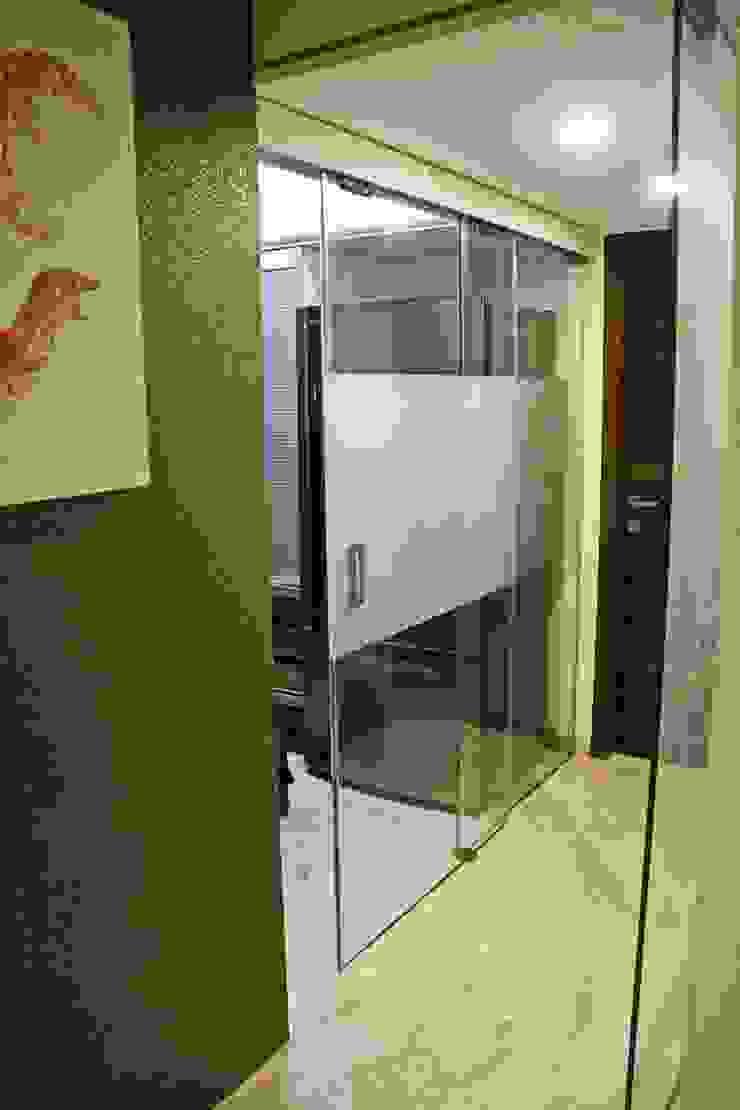 Koridor & Tangga Minimalis Oleh Elevate Lifestyles Minimalis