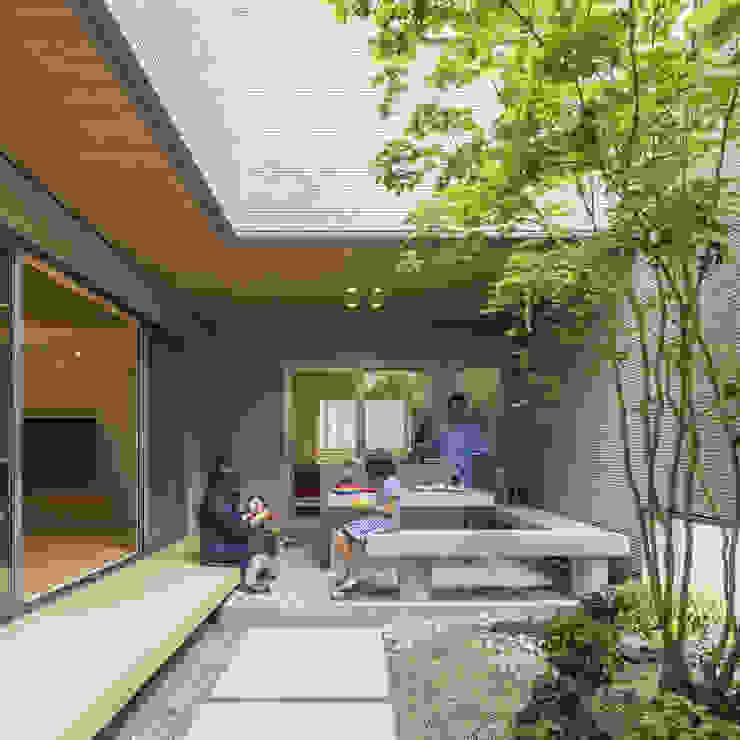 中庭 アジア風 庭 の SQOOL一級建築士事務所 和風