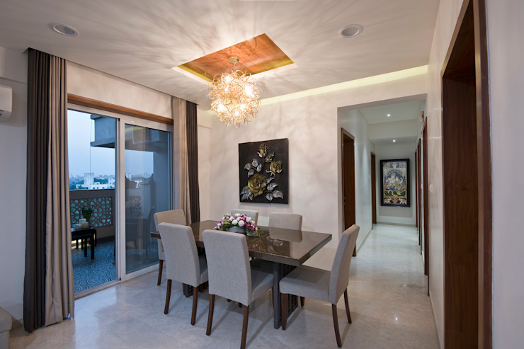 Residence Interiors at Mukundnagar, Pune Modern dining room by Urban Tree Modern