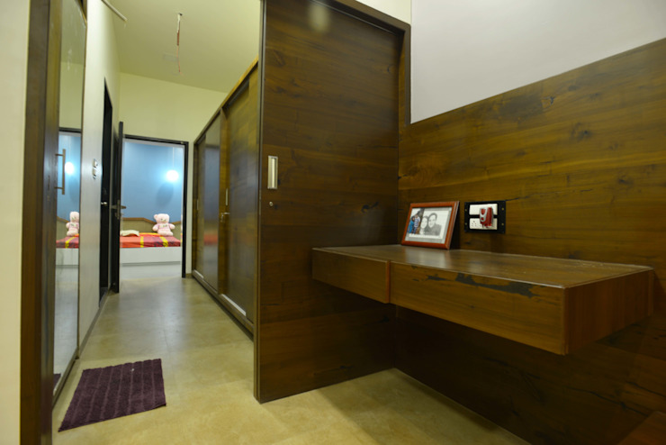 Hung-over Residence Modern style bedroom by Urban Tree Modern
