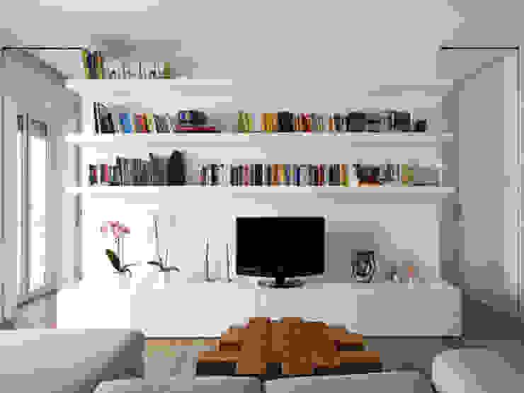 现代客厅設計點子、靈感 & 圖片 根據 maria adele savioli architettura 現代風