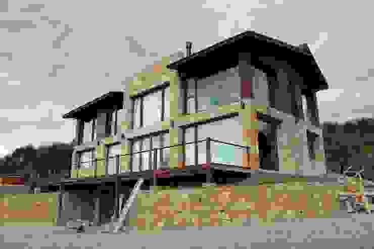 Casas modernas de CaB Estudio de Arquitectura Moderno
