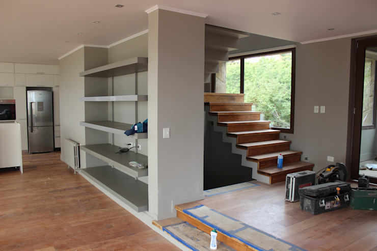 Modern kitchen by CaB Estudio de Arquitectura Modern