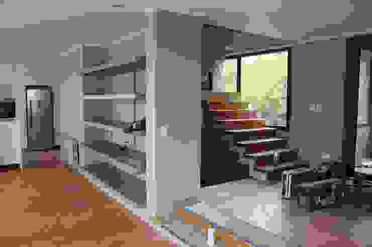 Cocinas de estilo moderno de CaB Estudio de Arquitectura Moderno