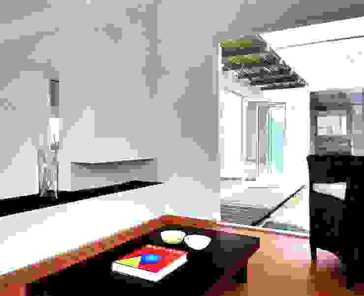 CaSA CORTINA Comedores modernos de CoRREA Arquitectos Moderno
