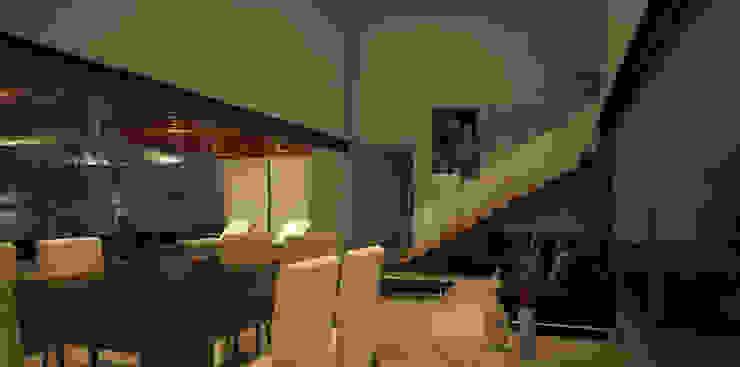 Столовая комната в стиле модерн от AParquitectos Модерн Дерево Эффект древесины
