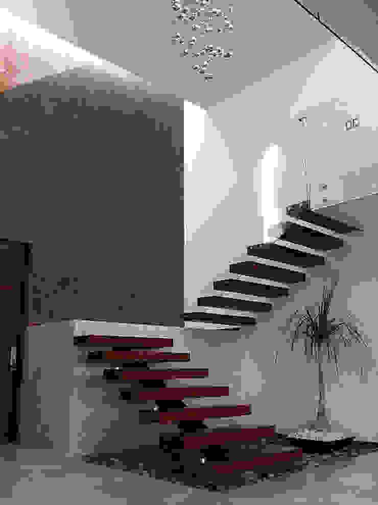 Escalera Pasillos, vestíbulos y escaleras modernos de AParquitectos Moderno Madera Acabado en madera