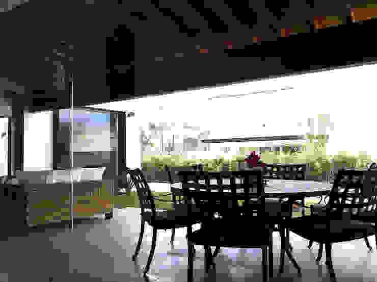 Terraza Balcones y terrazas modernos de AParquitectos Moderno