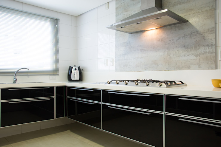Modern Kitchen by João Linck | Arquitetura Modern