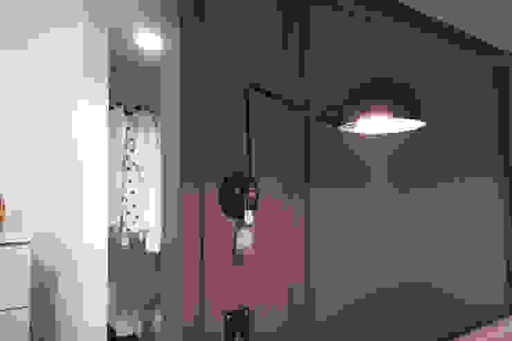 소품이 돋보이는 집 인더스트리얼 침실 by 디자인투플라이 인더스트리얼