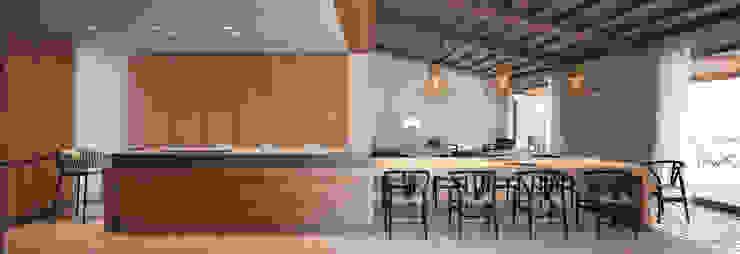 LUV Studio Mediterranean style kitchen