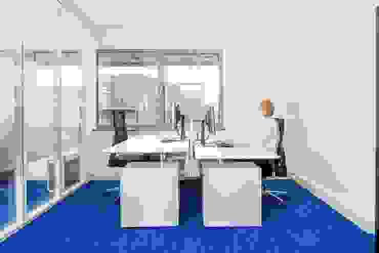 Bangunan Kantor Modern Oleh INZIGHT architecture Modern