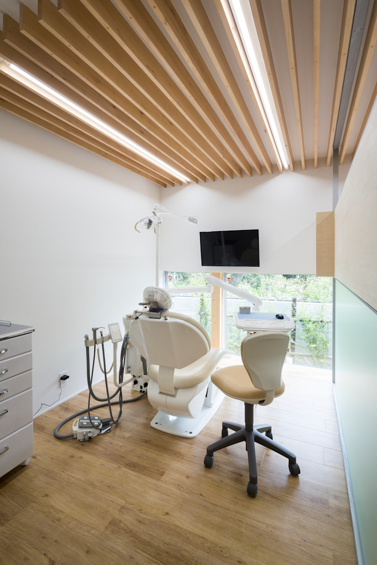 Studio R1 Architects Office Eclectic style walls & floors Wood Wood effect