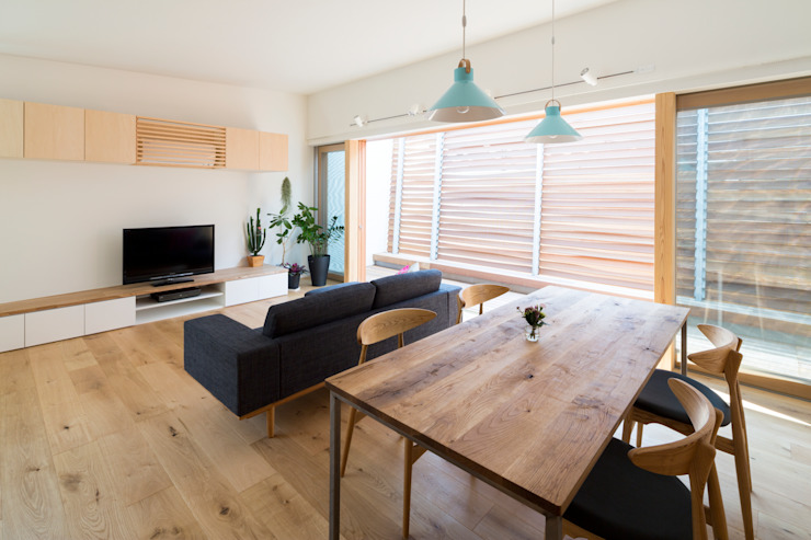 Studio R1 Architects Office Eclectic style dining room Solid Wood Wood effect