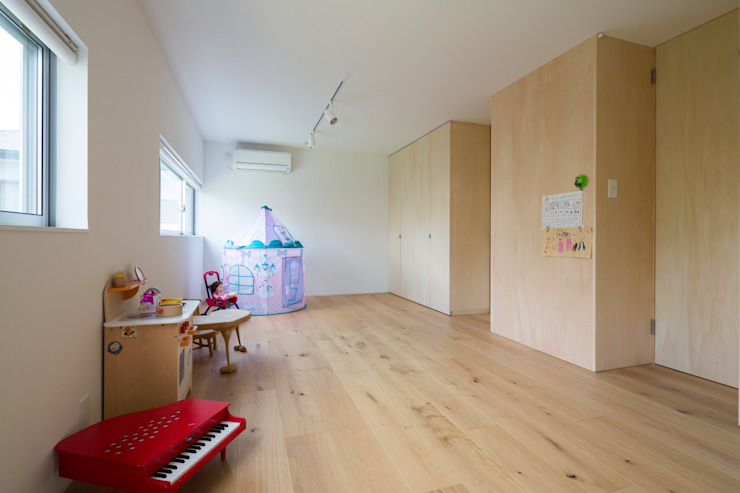 Studio R1 Architects Office Eclectic style nursery/kids room Wood Wood effect
