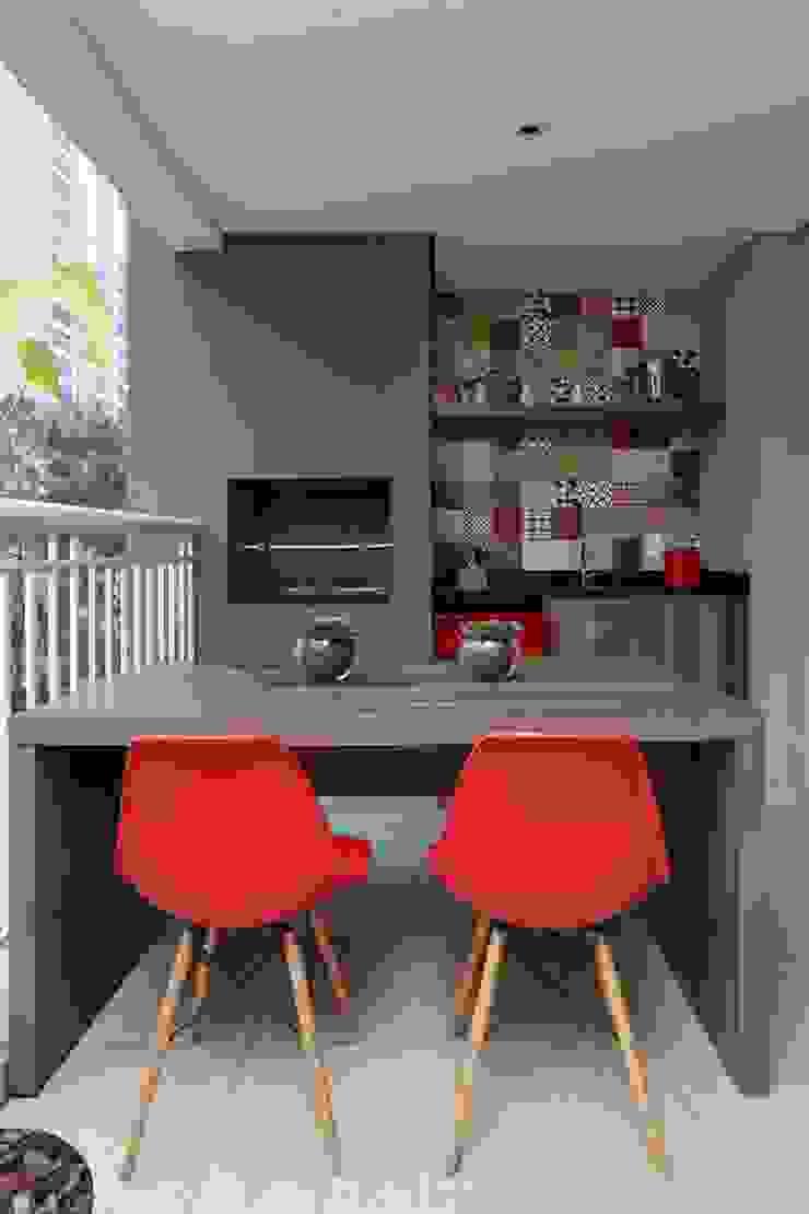 Apartamento FF Varandas, alpendres e terraços modernos por Studio Novak Moderno