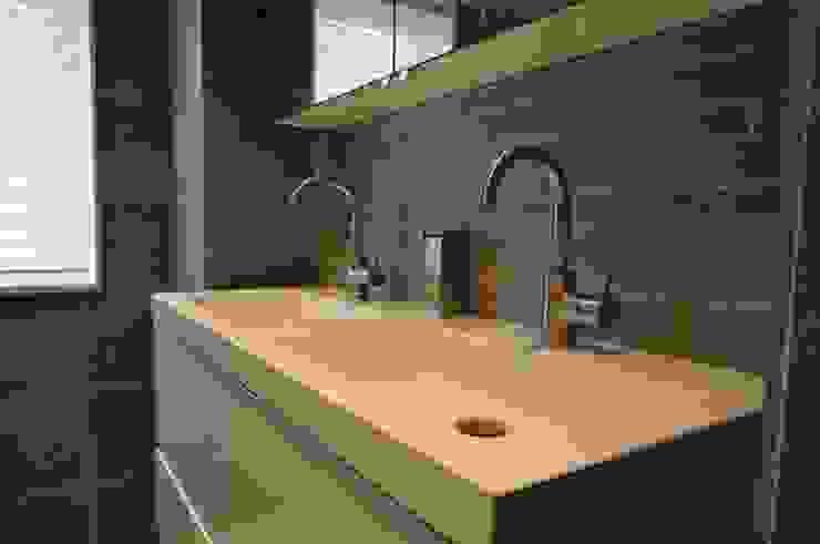 Modern Bathroom by AGZ badkamers en sanitair Modern