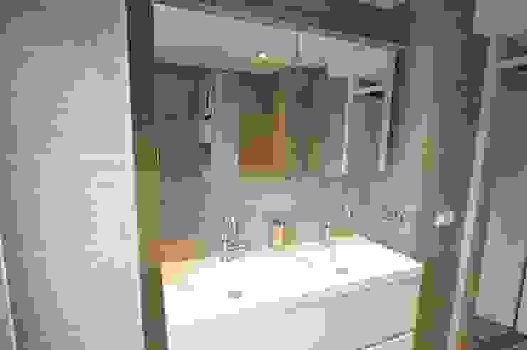 Badkamer referentie Alkmaar - AGZ badkamers en sanitair Moderne badkamers van AGZ badkamers en sanitair Modern