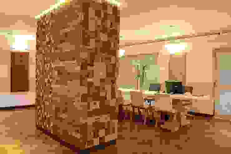 Showroom Tucumán Estudios y oficinas modernos de Indusparquet Argentina Moderno