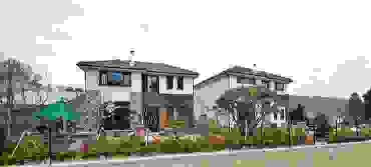 이웃과 함께하는 전원생활 (용인 고기동 주택) 모던스타일 주택 by 윤성하우징 모던