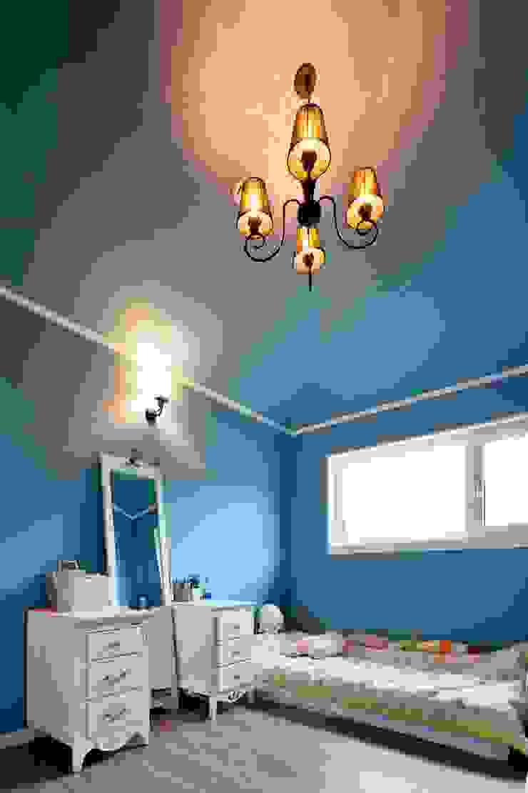 이웃과 함께하는 전원생활 (용인 고기동 주택) 클래식스타일 침실 by 윤성하우징 클래식