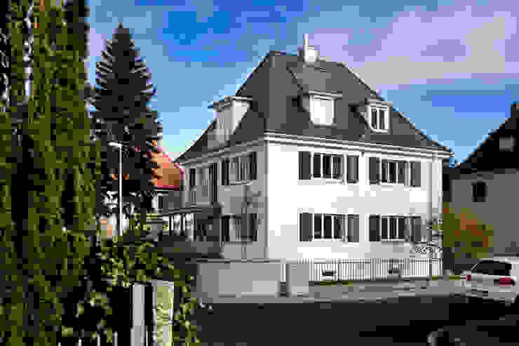 Projekty,  Domy zaprojektowane przez Klaus Geyer Elektrotechnik, Nowoczesny