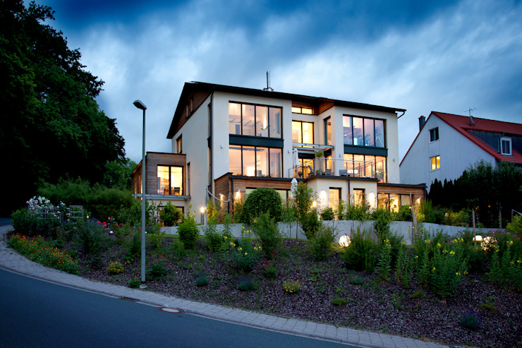 Modern houses by Klaus Geyer Elektrotechnik Modern