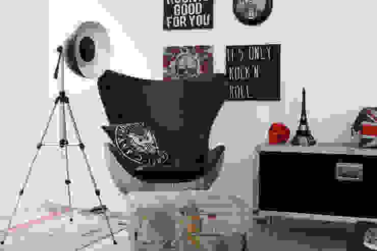 Cromalux Sistemas de Iluminação Ltda Living roomLighting Iron/Steel Black