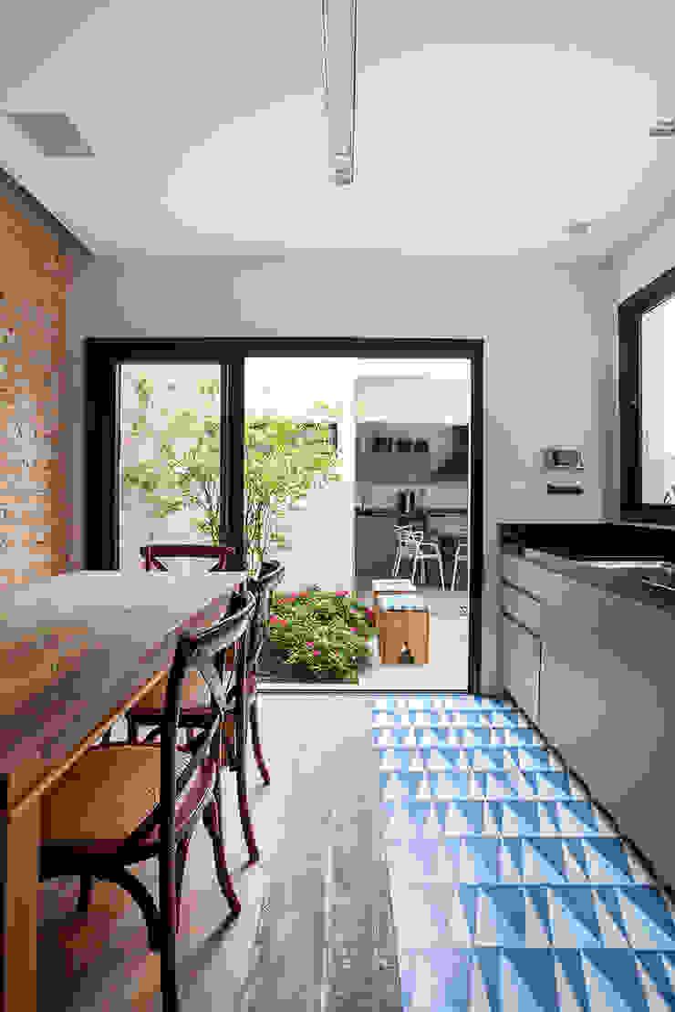 Ausgefallene Küchen von Tria Arquitetura Ausgefallen