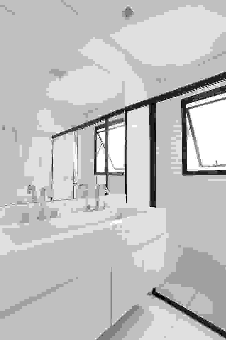 Tria Arquitetura Eclectic style bathroom