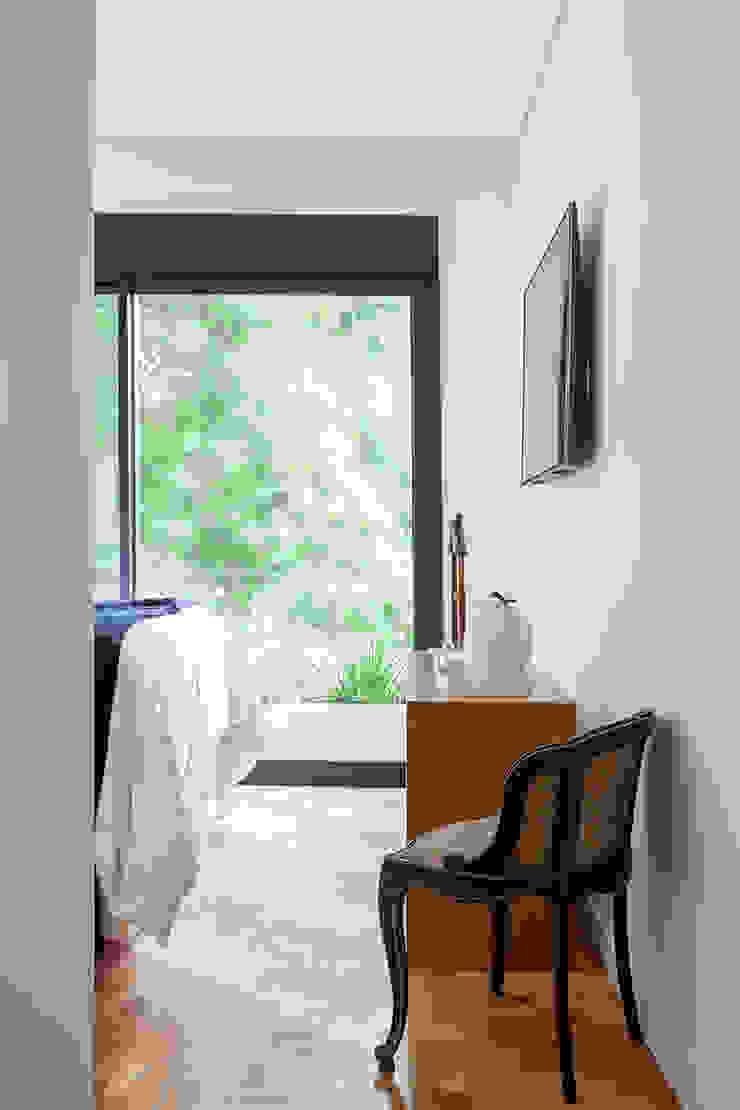 Tria Arquitetura Eclectic style bedroom