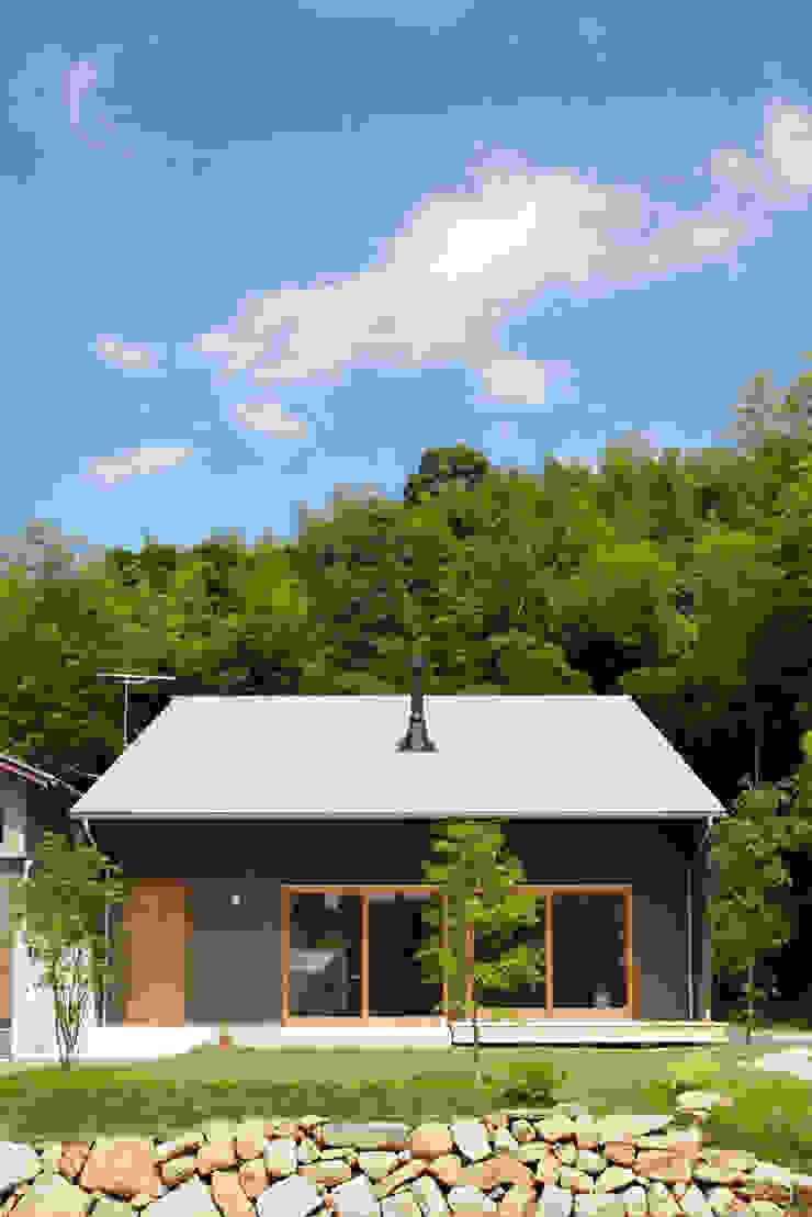 toki Architect design office 現代房屋設計點子、靈感 & 圖片 木頭 Grey