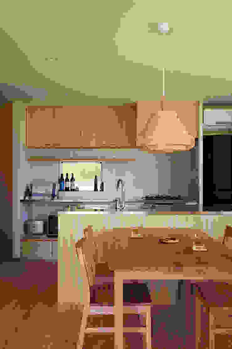 Modern style kitchen by toki Architect design office Modern Wood Wood effect