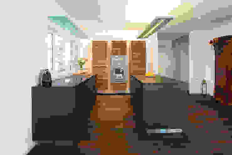 Cozinhas modernas por Klaus Geyer Elektrotechnik Moderno