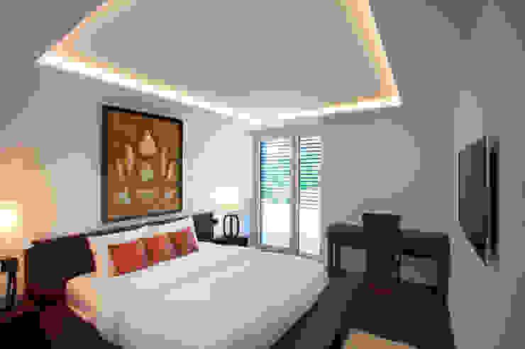 Asian style bedroom by Klaus Geyer Elektrotechnik Asian