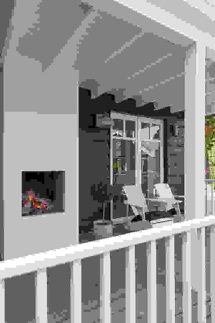 Landelijke woning Landelijke balkons, veranda's en terrassen van Brand I BBA Architecten Landelijk