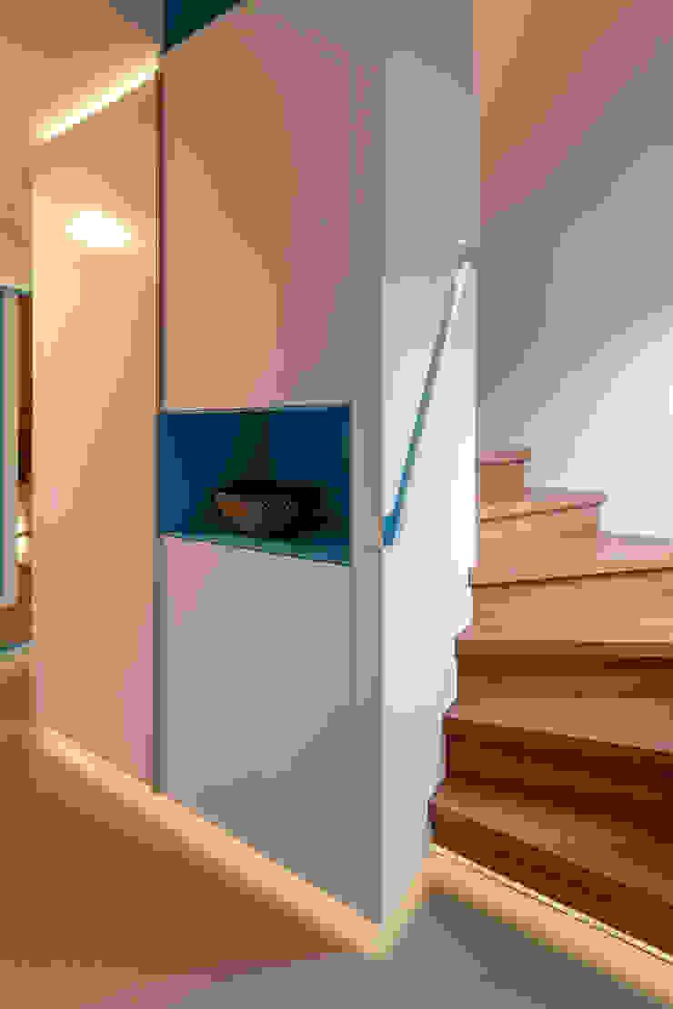 dieMeisterTischler Koridor & Tangga Modern