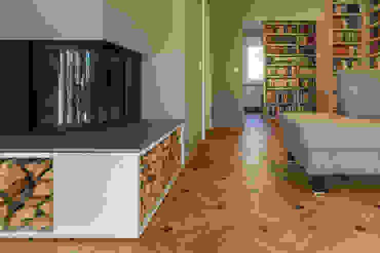 dieMeisterTischler Livings modernos: Ideas, imágenes y decoración