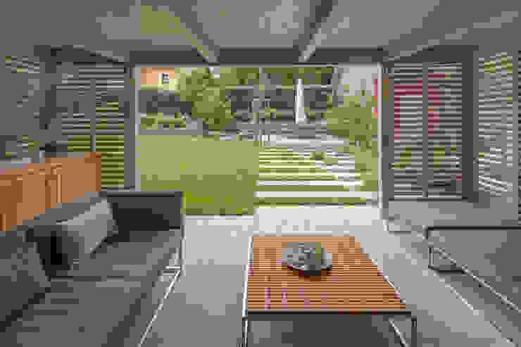 dieMeisterTischler Jardines de estilo moderno