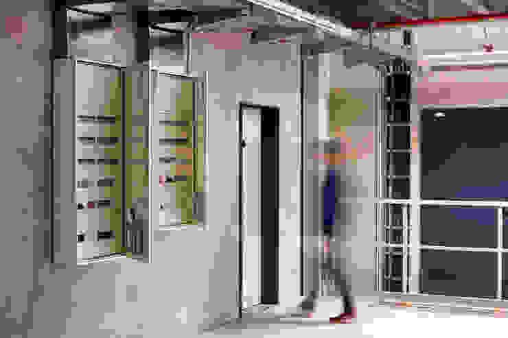 Salas multimedia de estilo moderno de Klaus Geyer Elektrotechnik Moderno