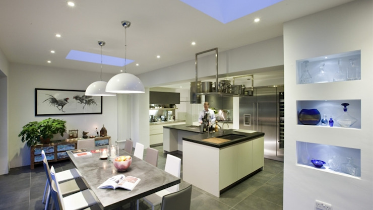 Regis Crepy—Kitchen Skylight Installation Sunsquare Ltd Modern windows & doors