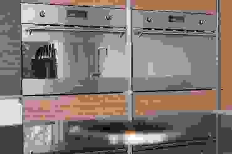 Keuken met moderne apparatuur Moderne keukens van Architect2GO Modern Hout Hout